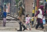 http://www.crazyenews.com/detail-info/description/bnctNDEwMjY/news/జమ్మూకశ్మీర్ ప్రభుత్వ పాఠశాలపై పెట్రోల్ బాంబు