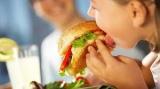http://www.crazyenews.com/detail-info/description/bnctMzgyODg/news/Advice to Parents to Keep the Kids Away from Smartphones Junk Food