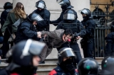 Pro independence activists chained to Catalan court arrested