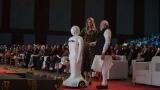 http://www.crazyenews.com/detail-info/description/bnctMzY1Mzk/news/Robot invites Modi Ivanka at GES-2017